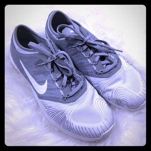Nike training flex adapt fit sole sneaker